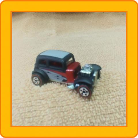 Hot Wheels '32 Ford Vicki